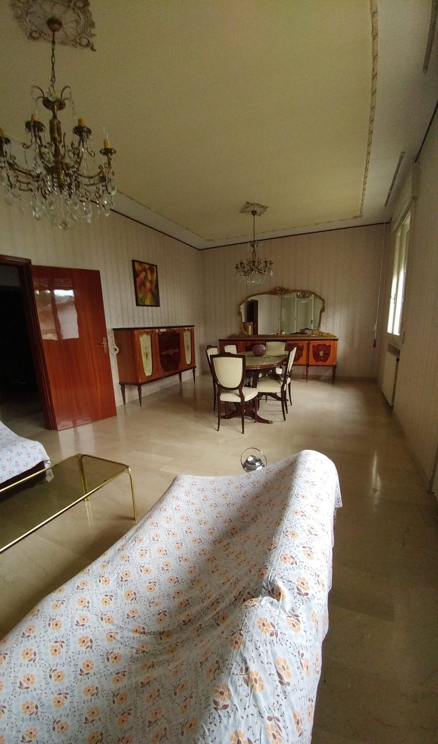 casa indipendente R.Terme € 180.000 interessante